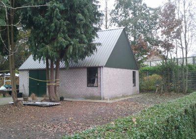 Opslagplaats/garage aan de Industrieweg.